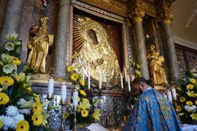 Msza św. w jęz. rosyjskim przed Cudownym Obrazem
