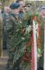min. B Komorowski składa wieniec 22-10-2000