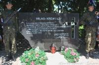 Pomnik przed uroczystością